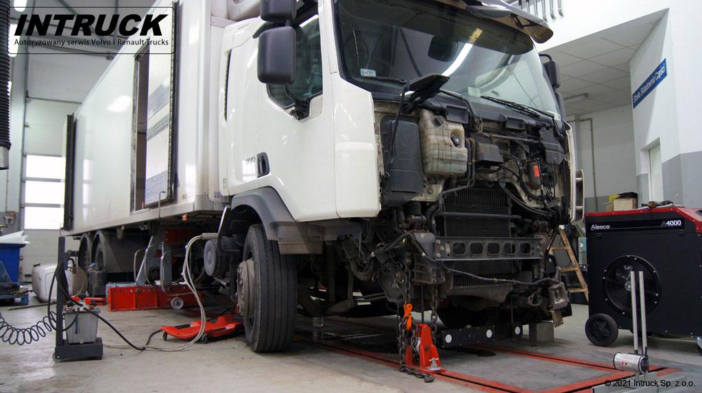 Naprawy powypadkowe pojazdów ciężarowych - 00