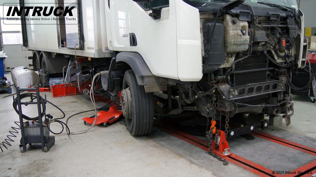 Naprawy powypadkowe pojazdów ciężarowych - 01